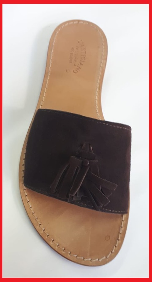 n-82-  Band sandals with bow